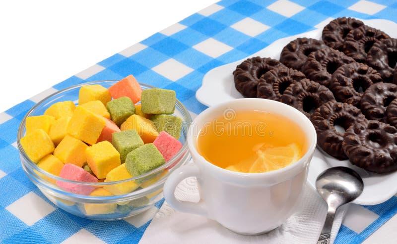 茶和曲奇饼 免版税库存照片