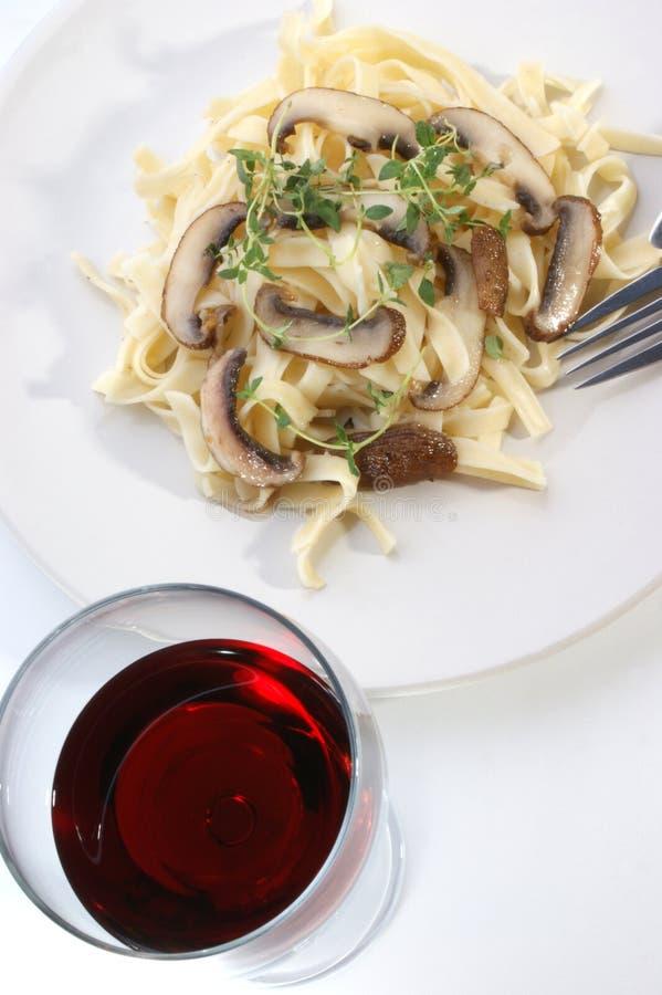 草本蘑菇有机意大利面食 库存图片