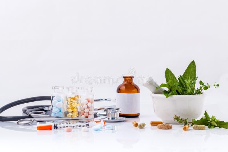 草药对化工医学健康的选择 免版税库存照片