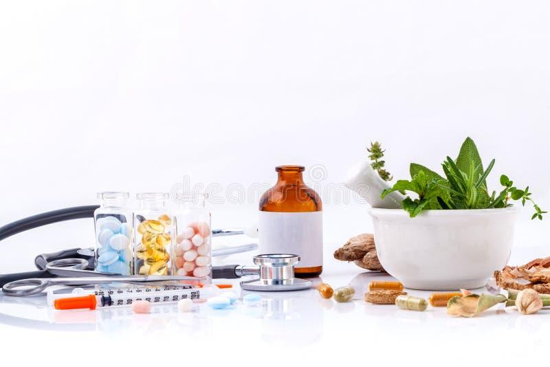 草药对化工医学健康的选择 免版税库存图片