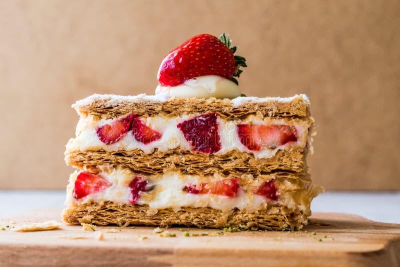 草莓吹mille-feuille用草莓 免版税库存图片