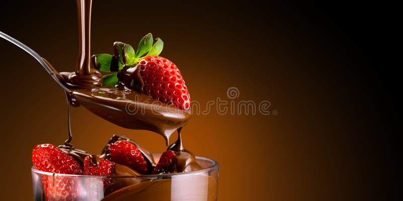 草莓和巧克力 免版税库存照片