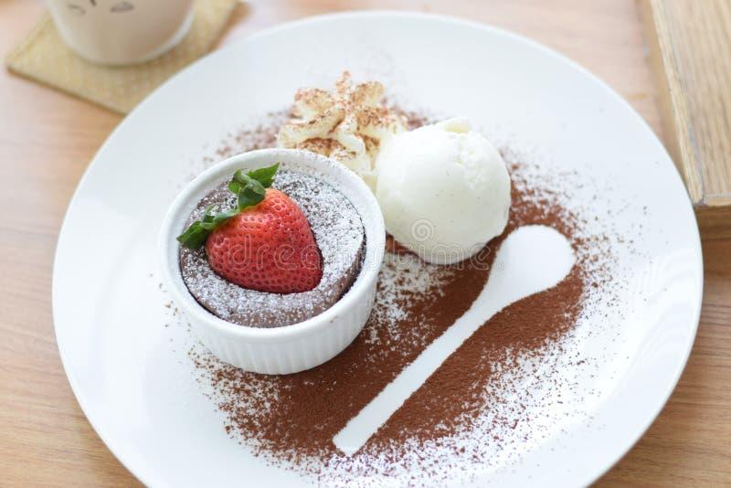 草莓巧克力熔岩 免版税库存图片