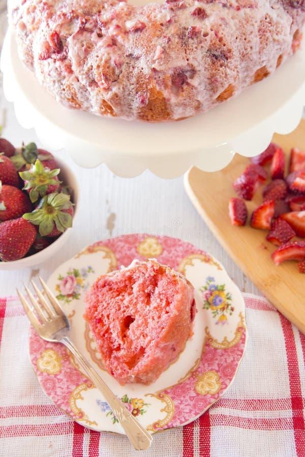 草莓腹网蛋糕 库存照片