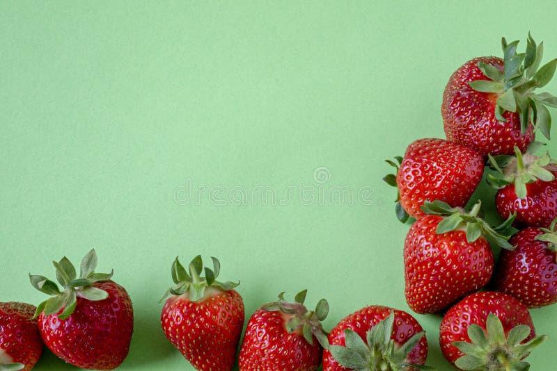 草莓边界和copyspace 免版税库存图片
