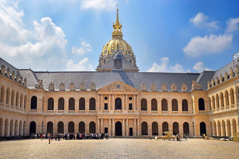 荣誉法院在旅馆des Invalides的在巴黎,法国 免版税库存图片