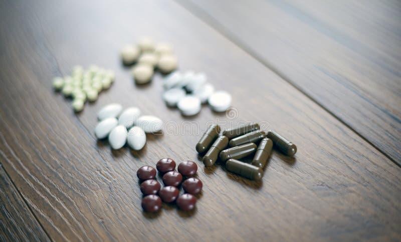 药片和胶囊胶囊,片剂,Softgels 库存照片