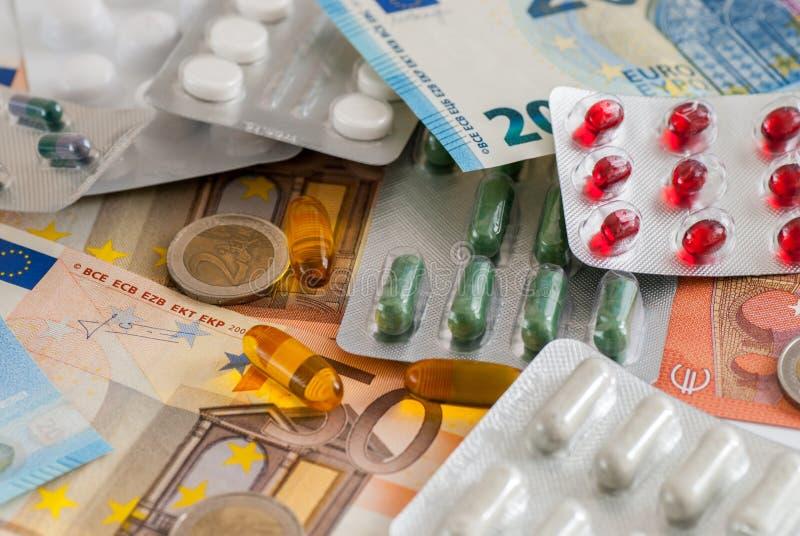 药物医学和金钱大pharma概念 免版税库存照片