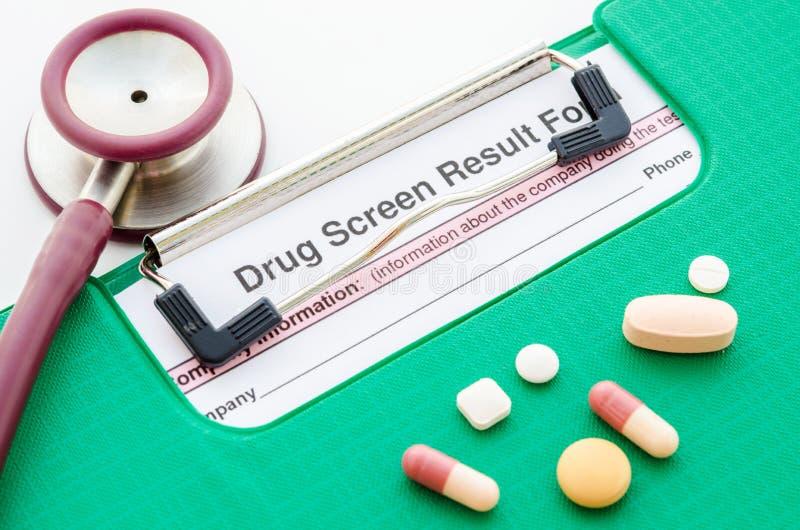 药物和药物屏幕结果形式 免版税图库摄影