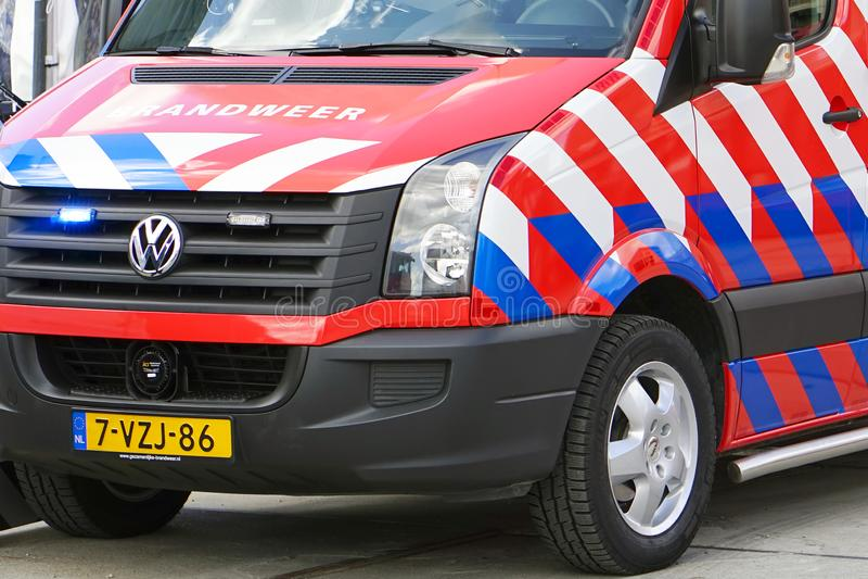 荷兰消防车汽车在鹿特丹 侧视图 库存照片