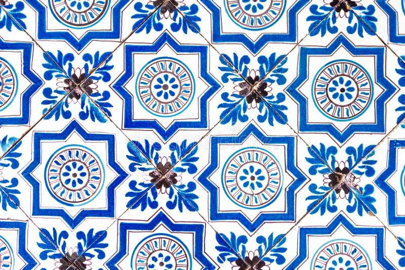 荷兰瓦片荷兰样式老明亮的多彩多姿的减速火箭的绘画装饰品葡萄酒蓝色白色 免版税库存图片