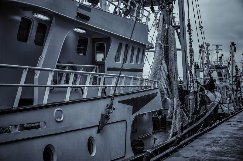 荷兰舍维宁根港一艘渔船的细节 图库摄影