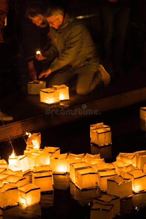 荷兰蒂尔堡 — 12 29 2019年:亚洲水灯笼飘在皮乌斯港环球节庆典上 免版税库存图片