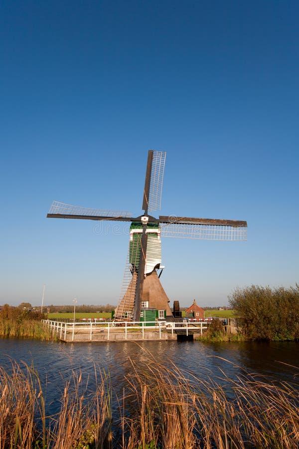 荷兰语传统风车 免版税图库摄影