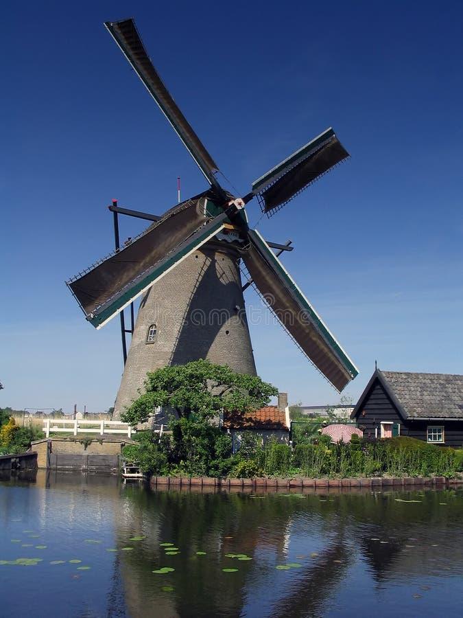 荷兰语kinderdijk风车 免版税库存图片