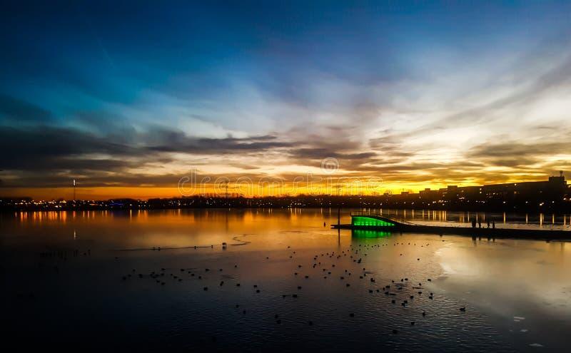 荷兰阿尔米尔的绚丽天际线 库存图片