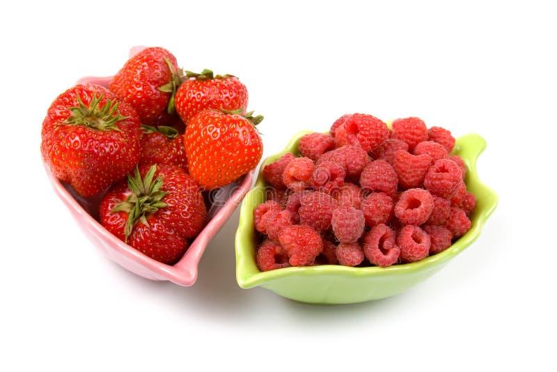 Download 莓成熟草莓 库存图片. 图片 包括有 维生素, 点心, 鲜美, 查出, 成熟, 草莓, 特写镜头, 弯脚的 - 15675479