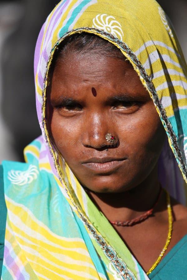 莫乌恩特阿布山的印地安妇女  拍摄2015年10月28日印度莫乌恩特阿布 免版税库存图片