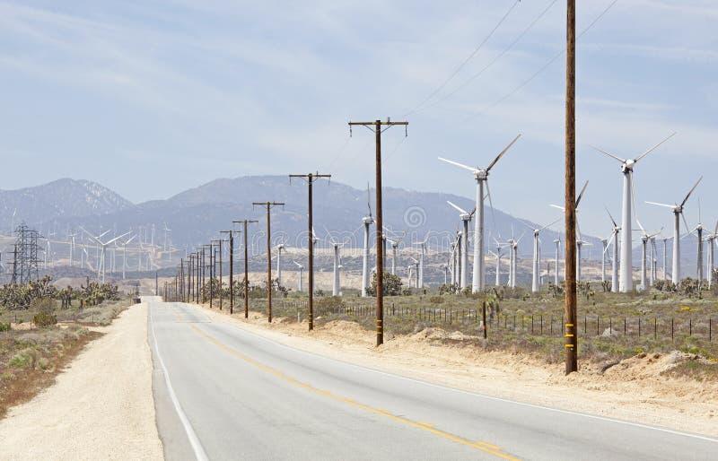 莫哈韦沙漠风力场 免版税库存图片