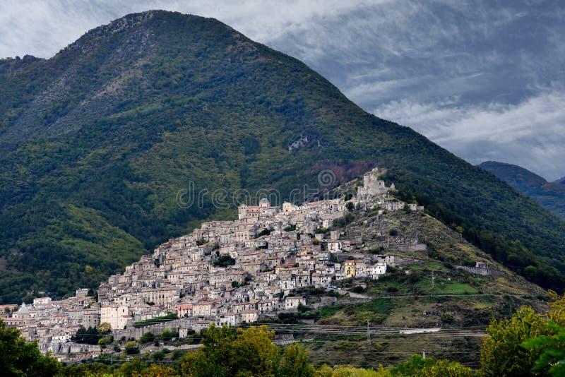 莫拉诺卡拉布罗,一个小历史的村庄在卡拉布里亚 免版税库存照片