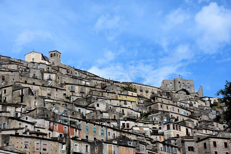 莫拉诺卡拉布罗,一个小历史的村庄在卡拉布里亚 图库摄影