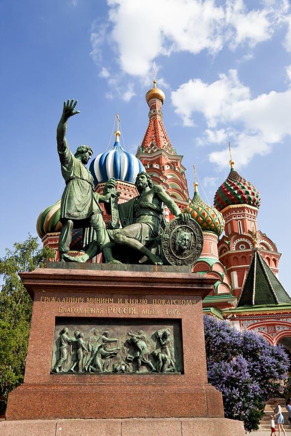 莫斯科。 对Minin和Pozharsky的纪念碑在红场 图库摄影