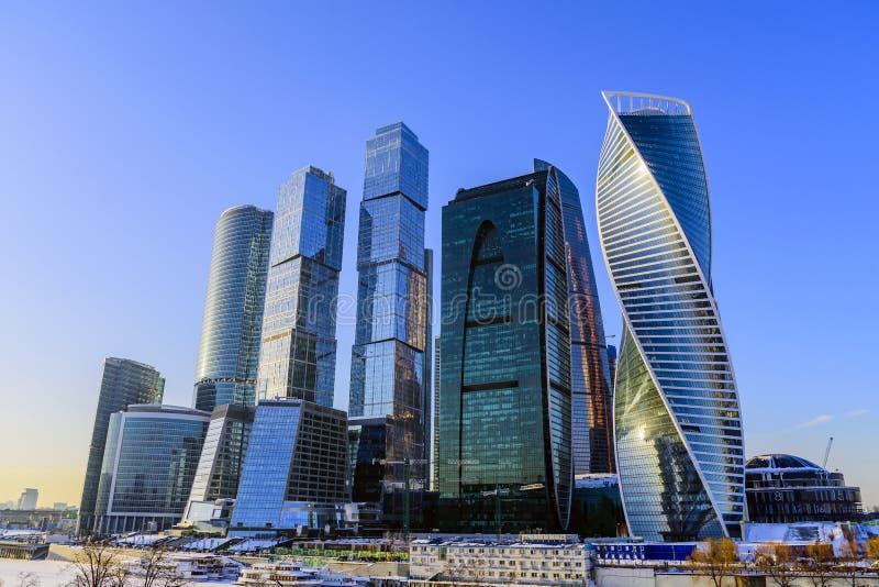 莫斯科俄国 国际商业中心'莫斯科市的'看法在一冬天好日子 免版税图库摄影