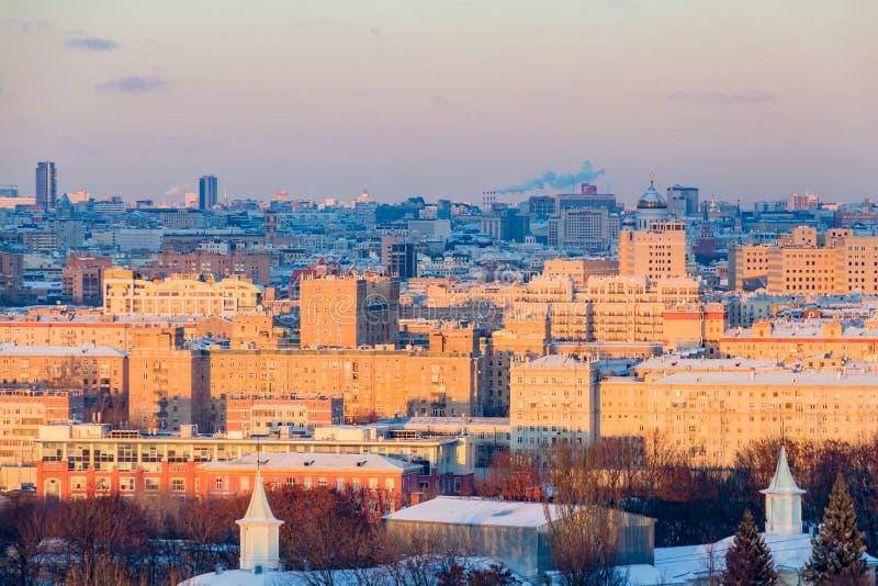 莫斯科全景日落的 城市地平线在冬日 图库摄影