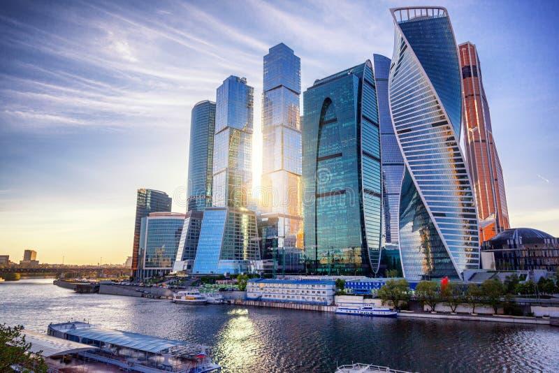 莫斯科市-摩天大楼莫斯科国际性组织事务看法  免版税库存照片