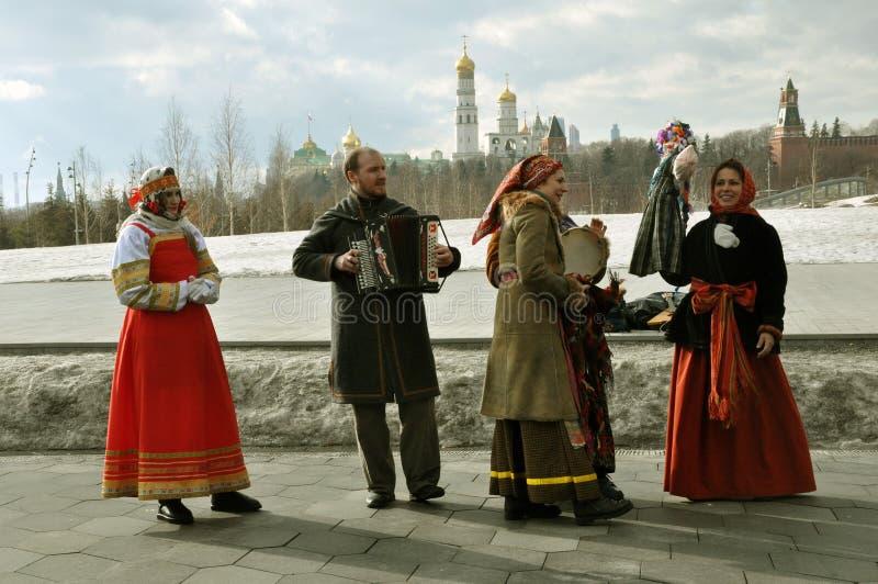 莫斯科,俄罗斯联邦,2019年3月10日:薄煎饼庆祝在俄国首都的中心 免版税库存照片