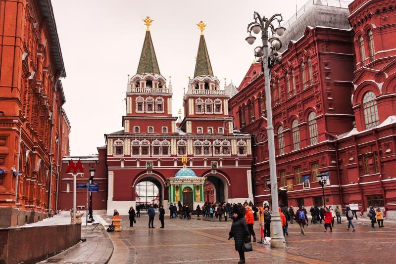 莫斯科,俄罗斯联邦- 2017年1月21日:往著名克里姆林宫区域,许多访客在红场喜欢去 库存照片