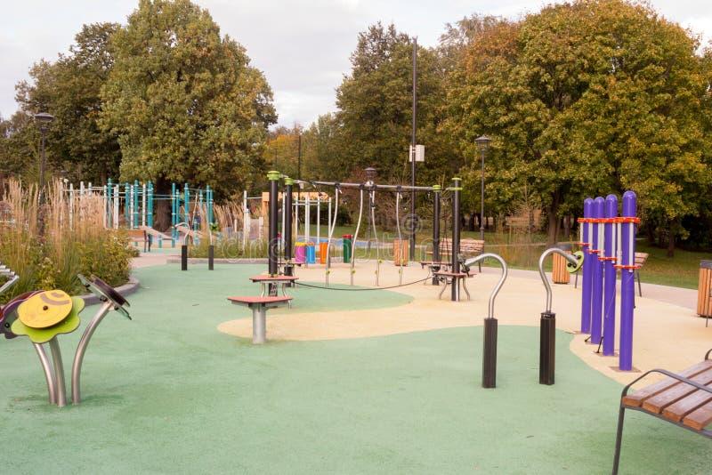 莫斯科,俄罗斯,未来的庭院 2 children playground 免版税库存照片