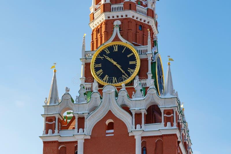 莫斯科,俄罗斯- 2018年2月01日:克里姆林宫特写镜头Spasskaya塔的编钟  克里姆林宫莫斯科冬天 免版税库存照片