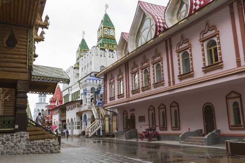 莫斯科- 6月04 :文化娱乐复杂克里姆林宫在Izma 免版税图库摄影