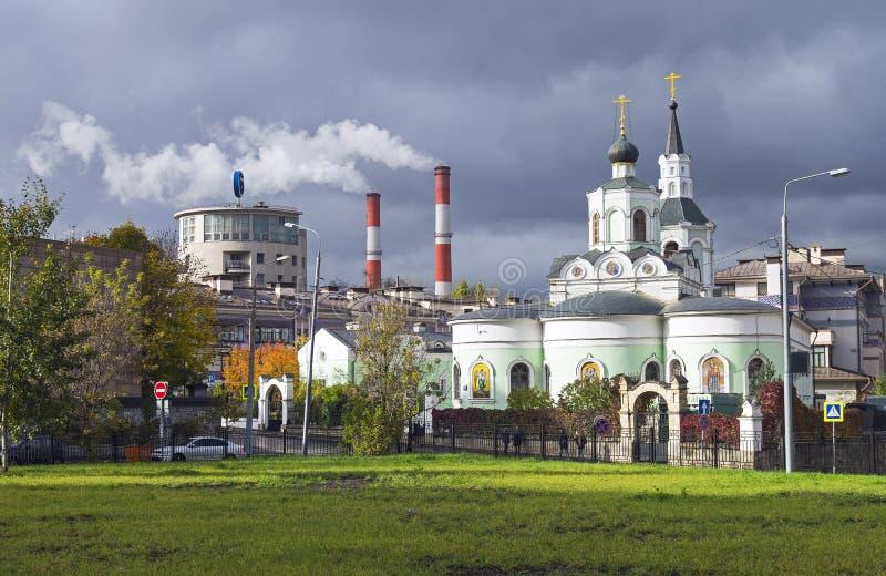 莫斯科建筑学对比  图库摄影