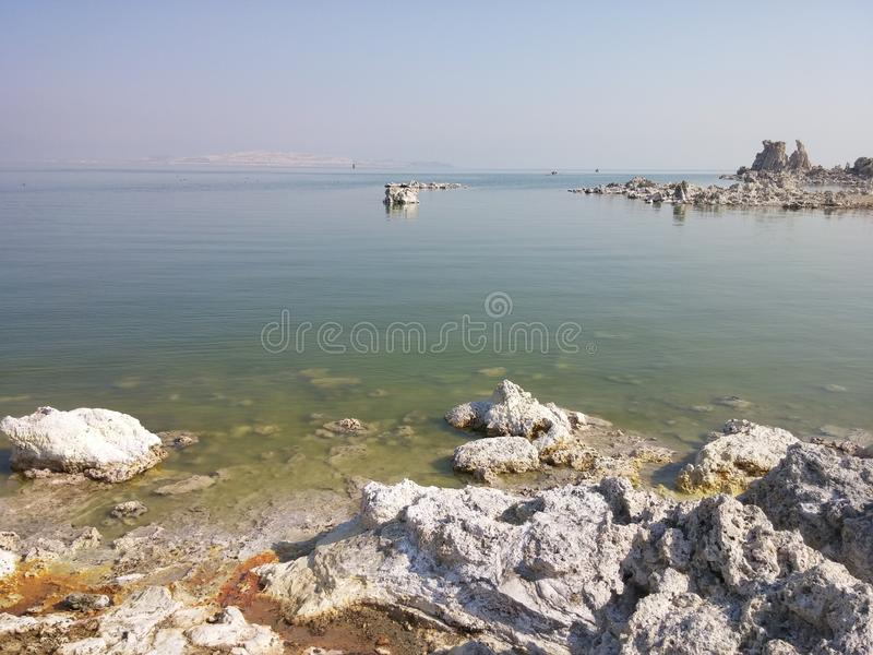 莫诺湖凝灰岩状态自然储备 免版税图库摄影