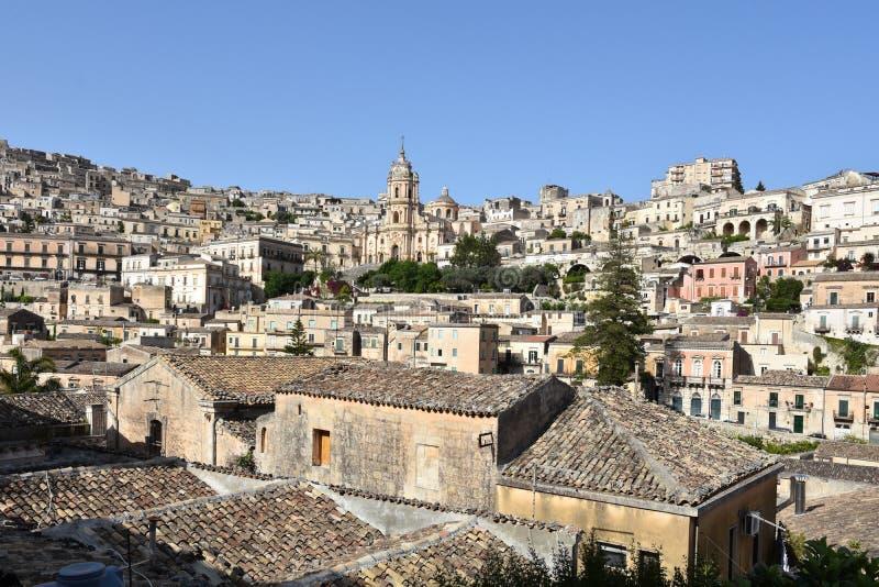 莫迪卡老的看法在西西里岛 库存图片