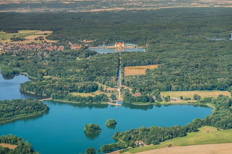 莫里茨堡城堡和灯塔在莫里茨堡,德国 图库摄影