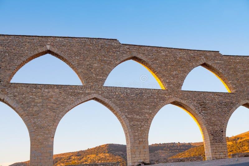 莫雷利亚渡槽在西班牙的Castellon Maestrazgo 库存图片