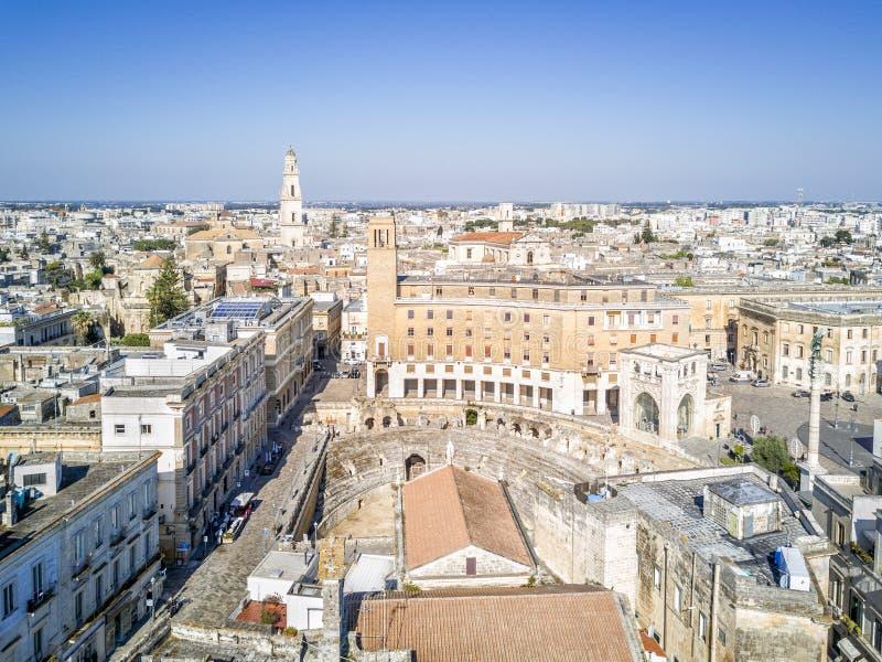 莱切,普利亚,意大利的历史的市中心 免版税库存图片