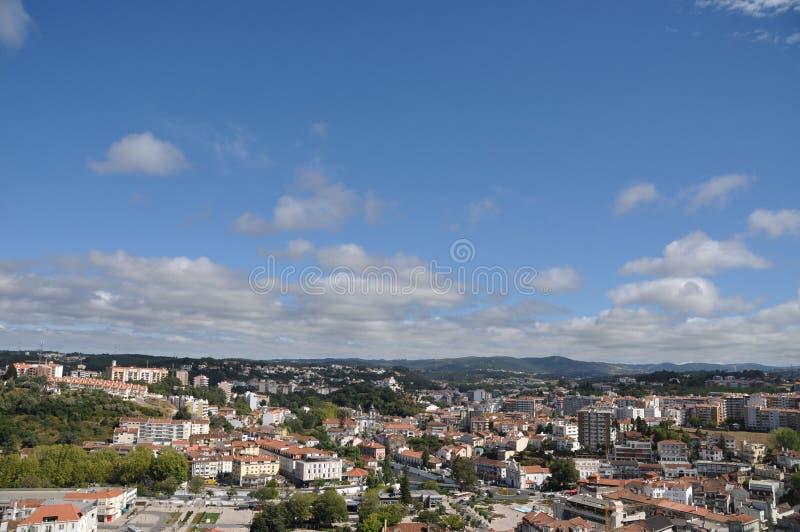 Download 莱利亚 库存图片. 图片 包括有 蓝色, 城市, 屋顶, 地中海, 传统, 观点, 历史记录, 天空, 街道 - 15675021