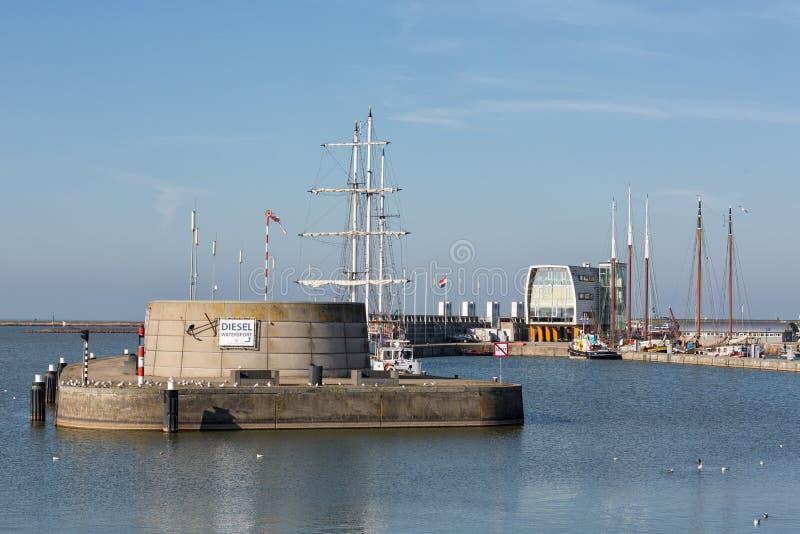 莱利斯塔德荷兰港有码头和餐馆的在莱利斯塔德 免版税图库摄影
