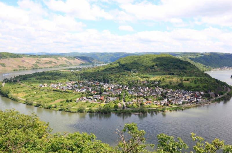 莱茵河谷的巨大弓在Boppard附近的,德语 免版税库存图片
