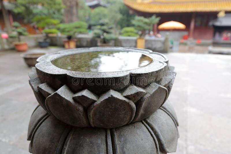 莲花石雕刻,多孔黏土rgb 免版税库存图片