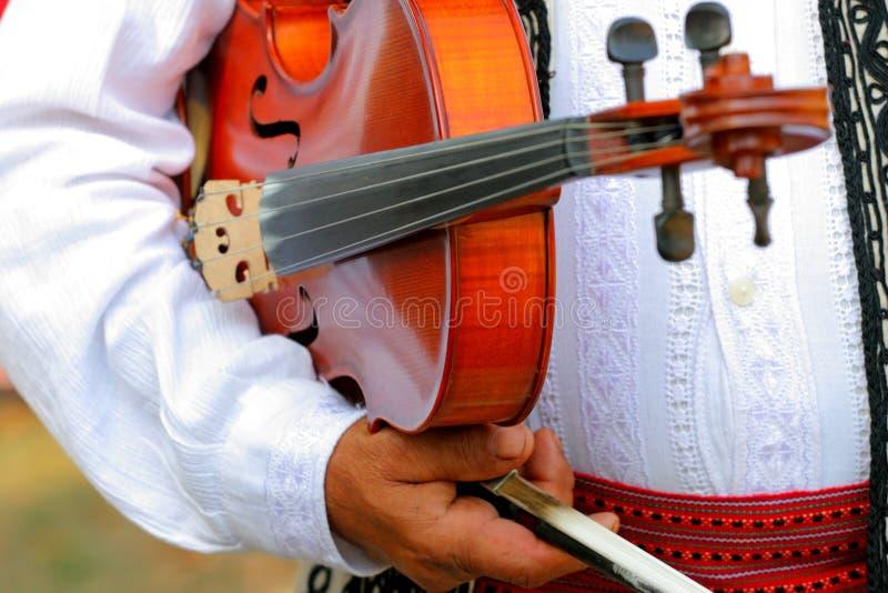 获得作用准备好对小提琴手 免版税库存照片