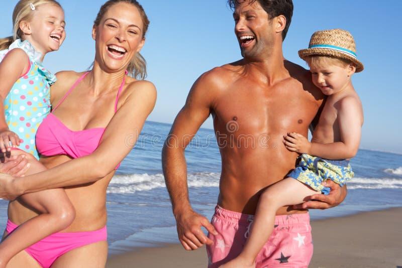 获得的系列在海滩的乐趣 免版税库存图片