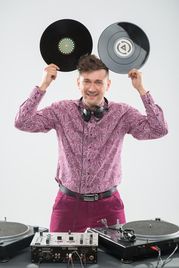 获得的DJ与显示Mickey的唱片的乐趣 库存照片