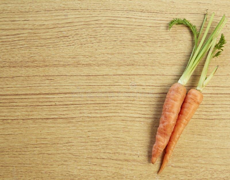Download 菜,新鲜的红萝卜 库存图片. 图片 包括有 捆绑, 直接地, 红萝卜, 问题的, 背包, 本地出产, 叶子 - 72355081