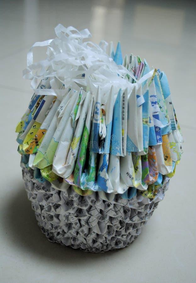 菠萝由纸制成 库存照片