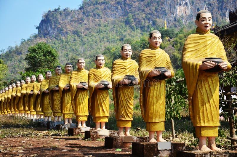 菩萨图象雕象在Tai Ta Ya修道院的缅甸样式 免版税库存照片